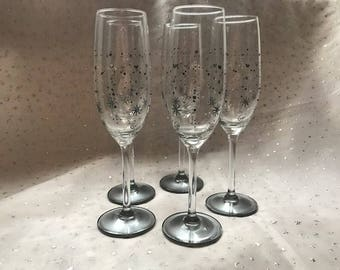 6 beautiful grey and black flutes