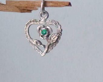 Sterling Silver Small Heart Green Stone Charm/Pendant, Vintage Delicate Flower Retro Minimalist Heart Pendant, 925 Floral Heart Jewelry