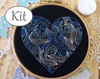 Embroidery Kit -  Good vibrations - embroidery hoop art  - heart pattern - Valentines day -  Embroidery Kit beginner - Valentines kit