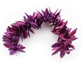 Cedrella leaves, purple, 30 mm, 1 strand, 120 pieces,