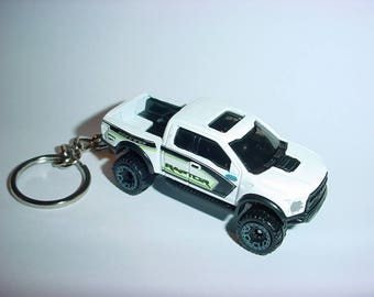 3D 2015 Ford F-150 Raptor truck custom keychain by Brian Thornton keyring key chain finished in white 4x4 racing trim pick up offroad