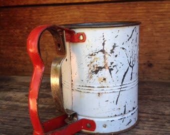 Vintage Sifter, Red and White Kitchen Decor, Hand-i-Siff Jr, Shabby Chic Kitchen, Country Kitchen Decor, Farmhouse Kitchen, Baker Gift, Fun