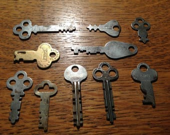 Lot Of 10 Antique Flat Skeleton Padlock Keys