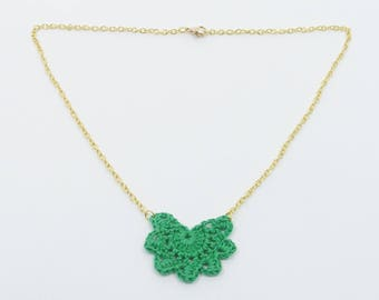 """Green """"Andalusian"""" pattern small necklace"""