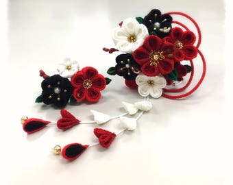 Thumb filigree flower Hairpin, a bit small 花合wase.""