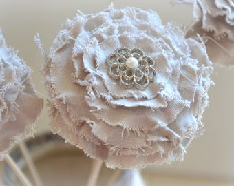 Flower fabric: linen, twine, button in iron