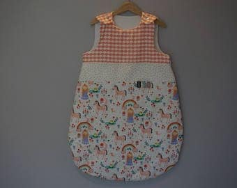 Print sleeping bag, princesses, unicorns and rainbows