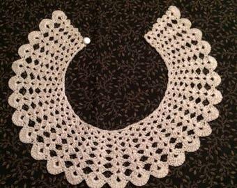 Vintage crochet lace collar