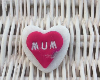 "Pink Loveheart on White Heart Shaped Stone inscribed ""Mum"""