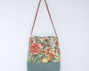 Elia Linen Hobo Bag . Tote Bag . Hobo Bag . Carry All Tote . Tote Bag with Leather Straps . Shoulder Bag