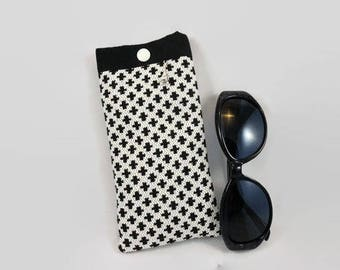 Glasses case in off white jacquard fabric and small black crosses