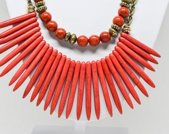 Charming red tone necklace