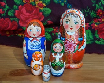 Wooden Russian Nesting Dolls set of 5 pieces