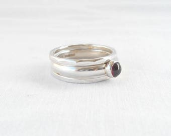 Size T - Set of 3 stacking rings in sterling silver with 5mm red garnet cabochon