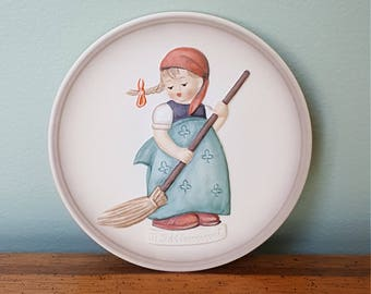 """1988 Miniature Collector's' Plate """"Little Sweeper"""" Goebel Hummel Collection Plate"""