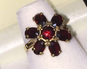 Gold and Garnet Flower Ring set with 7 Natural Garnets