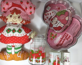 FIVE Piece Lot of Vintage Strawberry Shortcake Collection