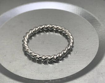 Thin Twisted Band