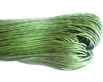 5 Metters 0.7 mm olive green waxed cotton thread