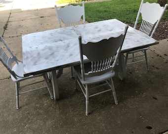 S A L E Beautiful Distressed Gray  (Grey) Solid wood table and 4 chairs