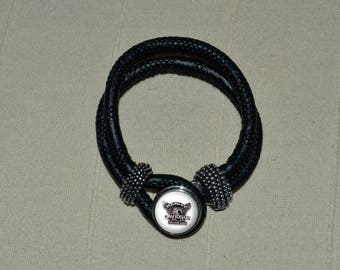 Harley davidson black leather chunk bracelet can be put on another bracelet that is in