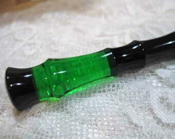 Acrylic Hair Stick Emerald Pixie