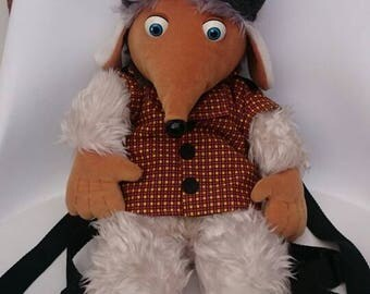 Vintage Collectable womble backpack very rare. Very good condition.