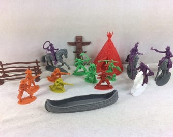 Vintage 60s Cowboys & Indians Playset