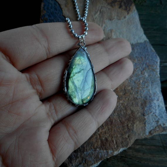 Yellow Green flash labradorite necklace - Tiffany Technique Green Labradorite- Labradorite Pendant