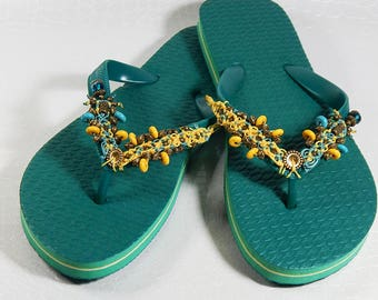 Customized flip flops green and yellow