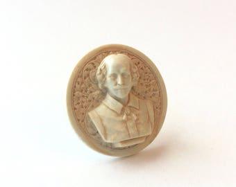 Shakespeare bust lapel pin