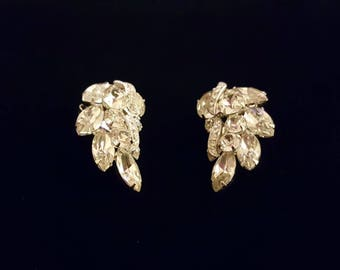 Vintage EISENBERG clip on earrings with clear rhinestones in silver tone metal - bridal, wedding - Rare antique jewelry - unique gift