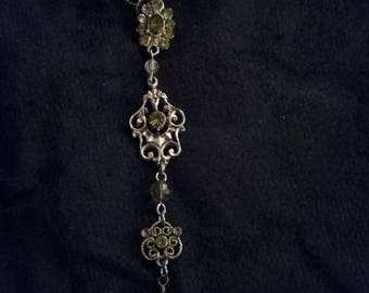 Green, three drop pendant necklace.