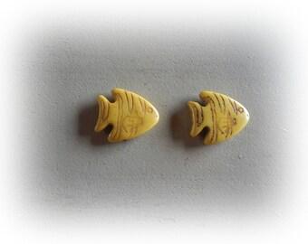2 beads 27 * 24 mm yellow howlite fish