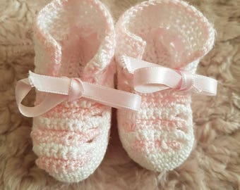 Little cotton booties