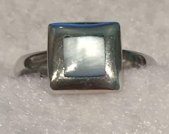 22%OFF Mother of Pearl Ring - Sterling - CA 1980's - size 8.5 - Item R155