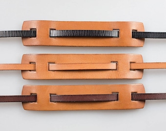 Bronkey - Tanned Leather Patch for your camera Strap models Berlín #1 and Tokyo #1.