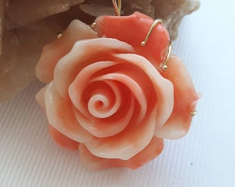 Pendant in sterling silver with coral pink rose