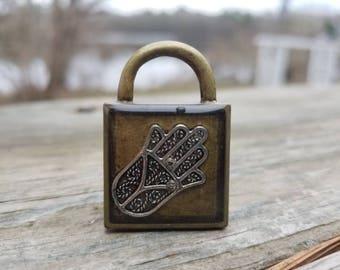 Hasma lock necklace