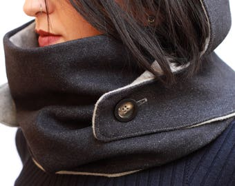 Hood e scarf, divisible, with button