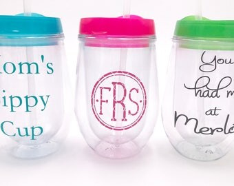 Acrylic Stemless Wine Cups with Lid and Straw, 10 oz. Personalized Tumbler, Double-Walled and Shatterproof, Vinyl Monogram Decal Name