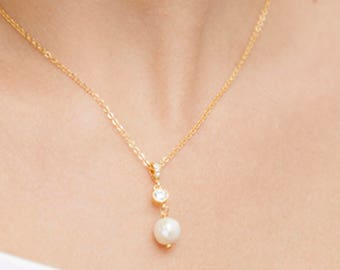 Simple Pearl Bridal Necklace, Bridesmaid Jewelry, Swarovski Pearl Necklace, Single Pearl Wedding necklace with strass, Single Pearl ,FRance
