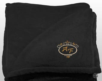 Personalized Multi-use Polar Sofa Bed Travel Fleece Blanket Deluxe - Ref. Dulcelina - Black