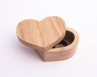 Wooden Ring Box Wedding ring box Wooden Heart Box Ring holder Custom ring box Proposal box Rustic A box of oak Box on magnets Jewelry box