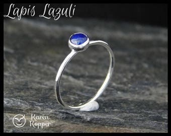 Lapis lazuli sterling silver ring, 5 mm cabochon. Hammered finish, 1.2 mm ring. Skinny ring, thin ring, stacking ring.