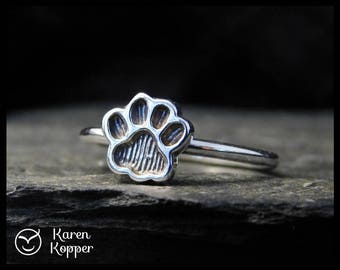 Size 7 ready to ship! Paw print sterling silver ring, cat paw ring, dog paw ring, bear paw ring. Stacking ring. 212