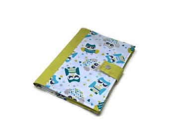 Protects health book of green. OWL theme.