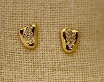 Elsa Peretti 18k Yellow Gold  Heart Diamond Post Earrings