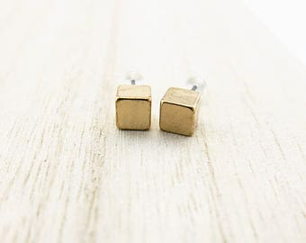Mini Stud Earrings gold BOFA03048