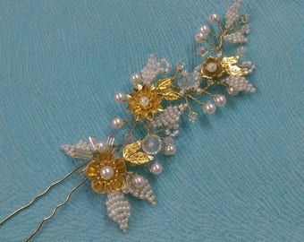 Gold Flowers. Bridal hair pin.